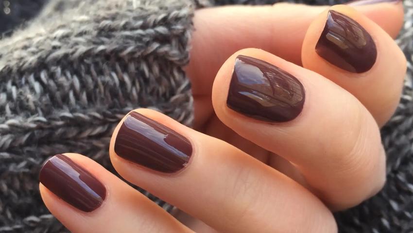 Από το pure στο light brown manicure: Το καφέ είναι η πιο hot τάση του φθινοπώρου