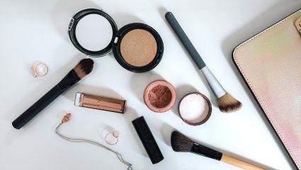 Ο τρόπος για να «κλειδώσεις» το μακιγιάζ σου έως και 16 ώρες