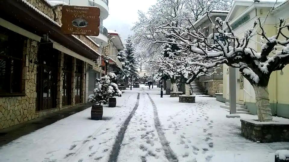 Θα βουλιάξουν από κόσμο:Οι 4 top ελληνικοί πορορισμοί για ονειρεμένα Χριστούγεννα (Pics)