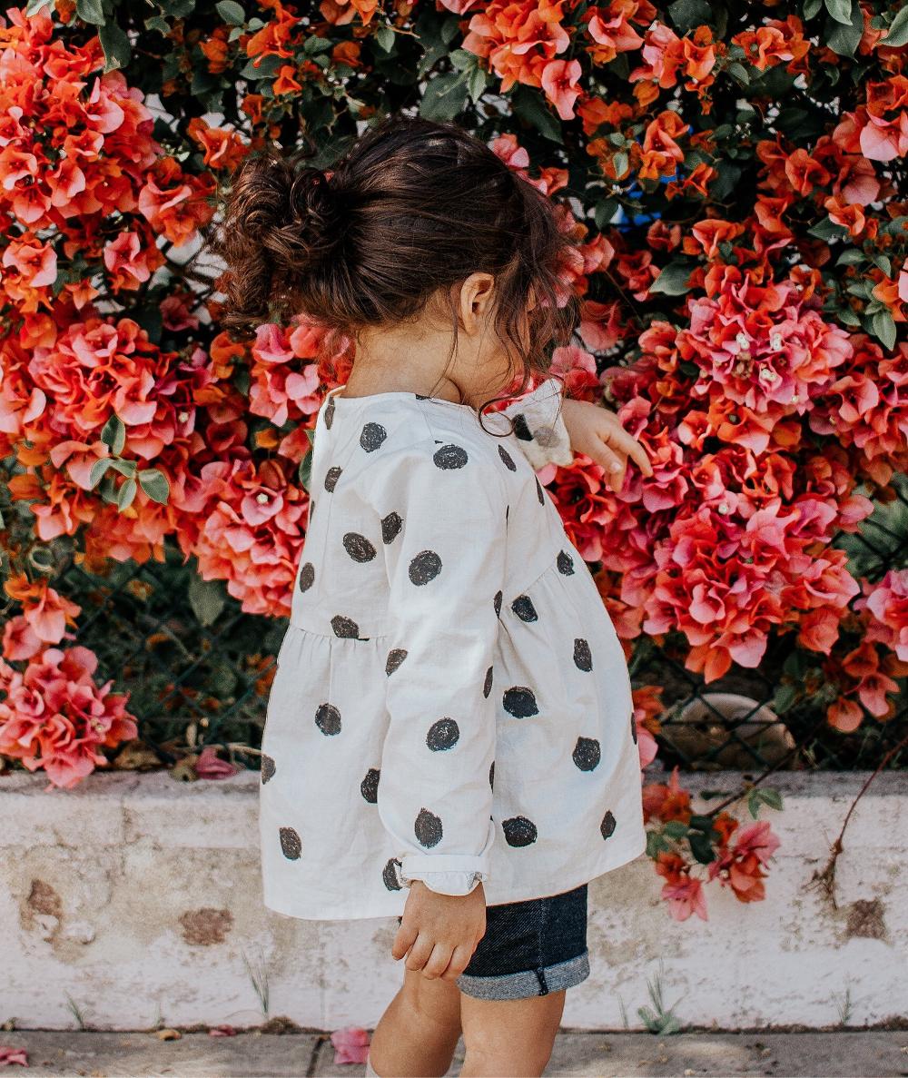 3 + 1 σπάνια και όμορφα ονόματα για να δώσετε στην κόρη σας