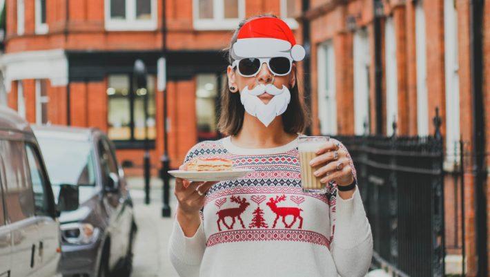 Χριστούγεννα και single: Να που έχει και τα καλά του