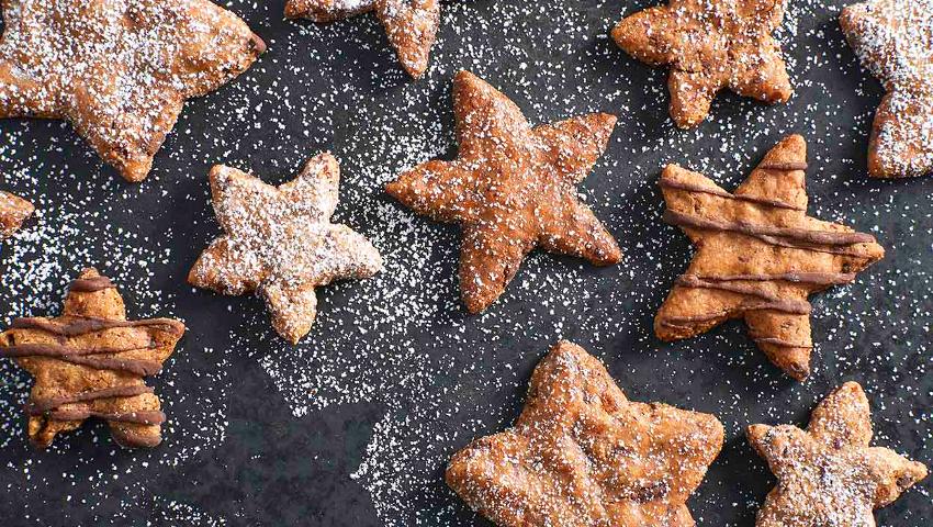 Τίποτα σαν τα μελομακάρονα! Αυτά τα γλυκά τρώνε τα Χριστούγεννα στις άλλες χώρες