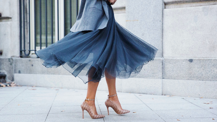 Οι 10 «χρυσές» συμβουλές μόδας για να τη βγάζεις καθαρή στα δύσκολα