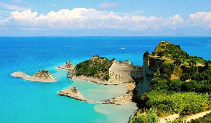 Πολύ μπροστά: Το μοναδικό νησί στην Ελλάδα που θα μπορούσε να ζήσει ένας Αθηναίος και το χειμώνα (Pics)