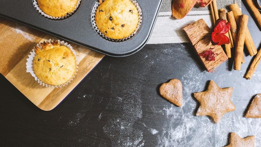 Τρεις συνταγές για πεντανόστιμα cupcakes χωρίς ζάχαρη και χωρίς μίξερ