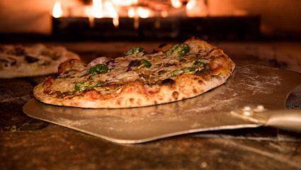 Σήμερα ψάχνουμε τις καλύτερες πίτσες της Αθήνας (και τις βρήκαμε)