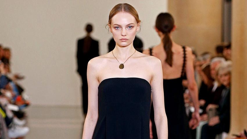 Η Victoria Beckham στο fashion week του Λονδίνου είναι από τα top stories στη μόδα