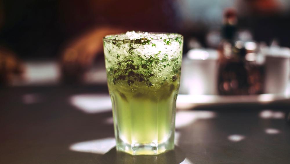 Oι θερμίδες κάνουν πάρτυ: Αυτά είναι τα 3 πιο παχυντικά cocktails
