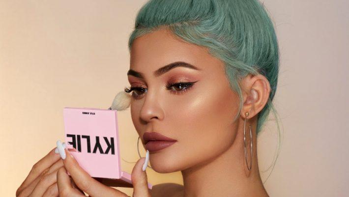 Οι αδερφές Jenner συνεργάζονται στο νέο λανσάρισμα των Kylie Cosmetics