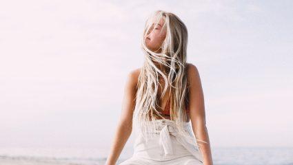 4 tips για να μείνει το χρώμα των μαλλιών σου «ζωντανό»