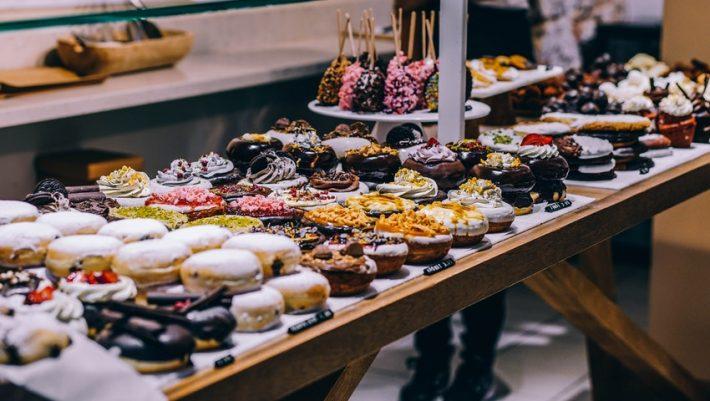 Γλυκά χωρίς ζάχαρη: Τρία ζαχαροπλαστεία της Αθήνας που σου επιτρέπουν να τρως δίχως τύψεις