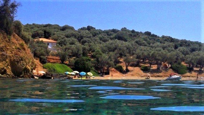 Το νησί χωρίς αυτοκίνητα που με 10 ευρώ τη μέρα κάνεις ονειρικές διακοπές (Pics)