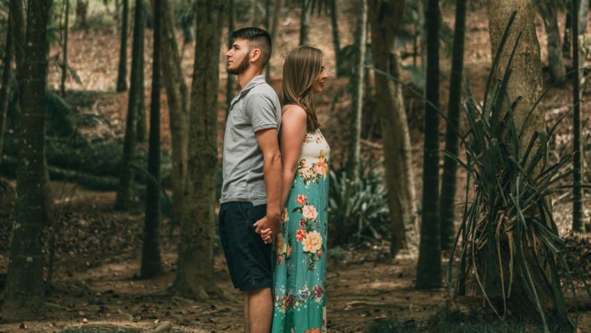 Μία πλάκα την πάθαμε: Το επιστημονικό ερωτικό πείραμα που σε «ζευγαρώνει» με το πρόσωπο που επιθυμείς μέσα σε 4 λεπτά