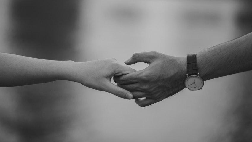 Η επιστήμη ανατρέπει τα πάντα: Ιδού ο λόγος που ορισμένοι δεν προλαβαίνουν να χωρίσουν και έχουν ήδη βρει την επόμενη σχέση τους