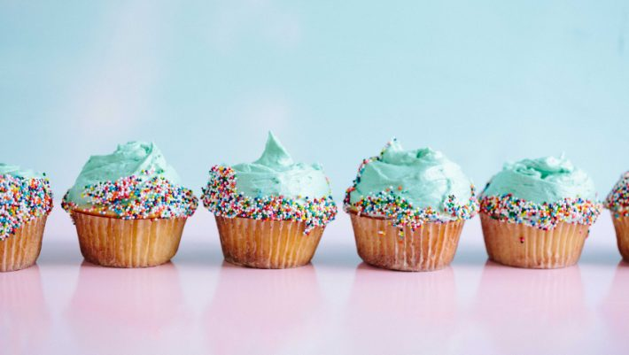 Θέλεις να τρως λιγότερο; Αυτό είναι το χρώμα που μειώνει την όρεξη