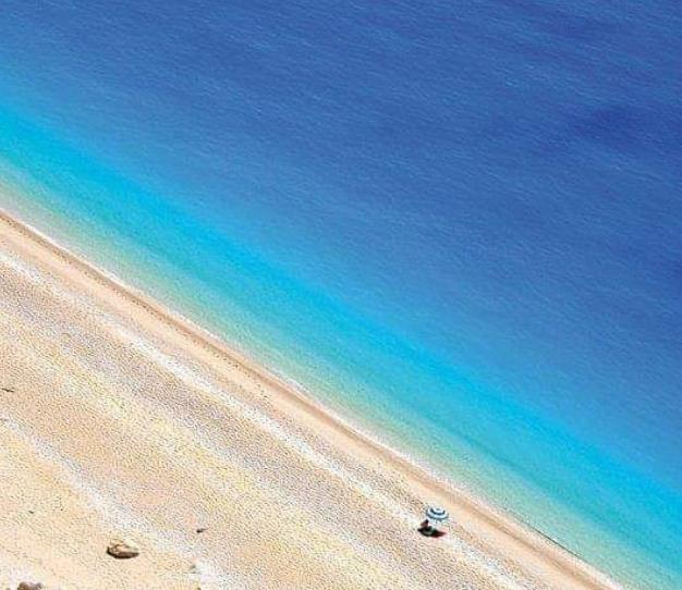 Όλες «10άρια»: Το νησί με τις 5 πιο ωραίες παραλίες στην Ελλάδα