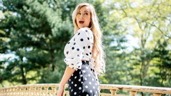 Big polka dots: Η τάση των '90s επέστρεψε στις φούστες