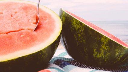 Χορταστικά, με ελάχιστες θερμίδες snacks στην παραλία: Δες τι πρέπει να πάρεις μαζί σου