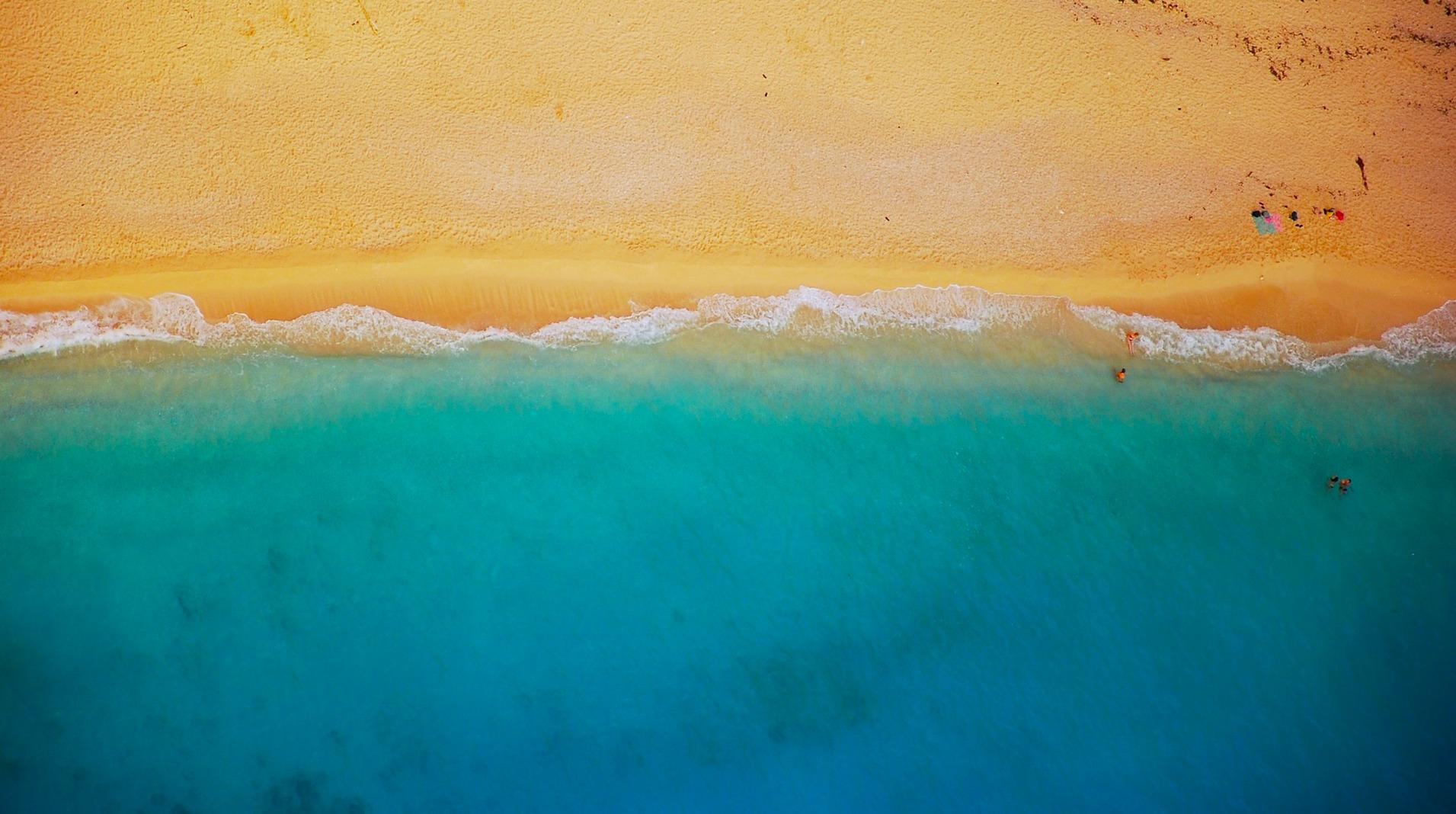 Τζιά | Οι χρυσαφένιες παραλίες που μαγεύουν στο νησί «του Σαββατοκύριακου»