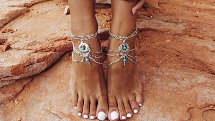 Τα anklets στα καλύτερά τους! Τα σχέδια και τα χρώματα που φέτος έχουν την τιμητική τους