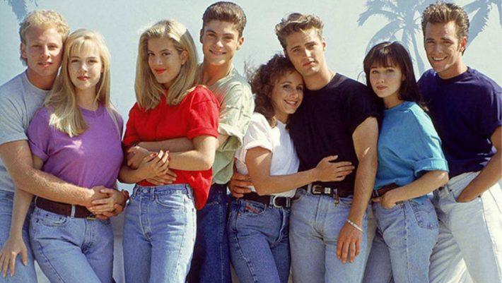 Πες «ναι» στα mom jeans και νιώσει για λίγο πρωταγωνίστρια του Beverly Hills