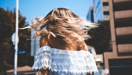 Το υλικό που μακραίνει και προστατεύει τα μαλλιά μας από τη φθορά