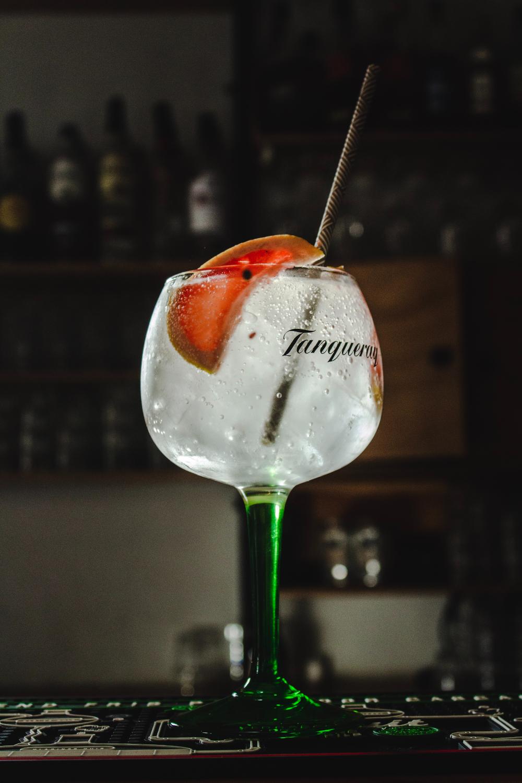 Τεκίλα ή κρασί: Ποιο ποτό να προτιμήσεις αν προσέχεις τη γραμμή σου