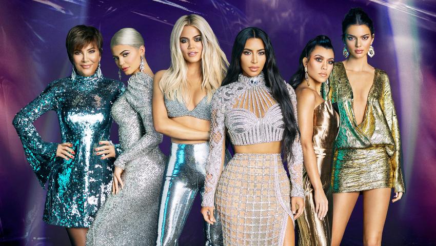 Το βίντεο που «καίει» τις Kardashians - Πώς είναι τα κορμιά τους in real life, εκτός Instagram