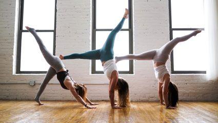 Yoga και αδυνάτισμα: Μύθοι και αλήθειες που σε κάνουν να ξεκινήσεις αύριο κιόλας