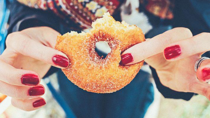 Έχεις εθιστεί στο junk food; Oι τρόποι να αποτοξινωθείς