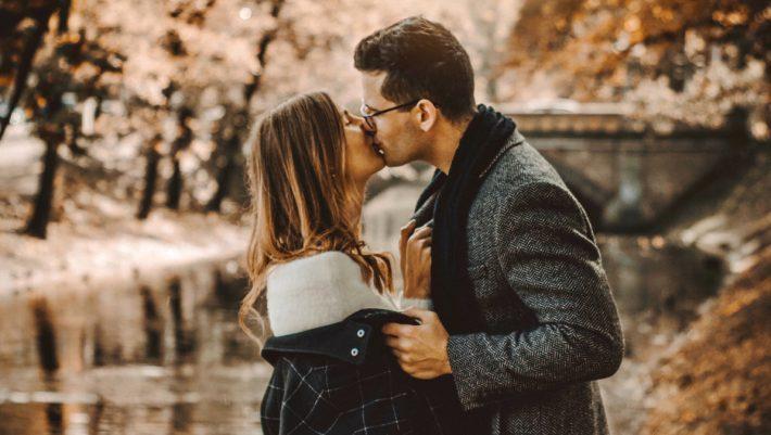 Κεφάλαιο «ζήλια»: Έρευνα αποκαλύπτει ποιο φύλο ζηλεύει περισσότερο στον έρωτα