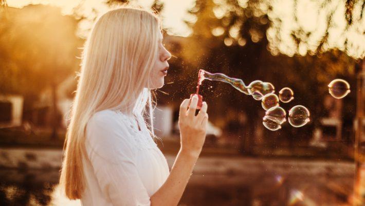 To Harvard αποκαλύπτει το μυστικό της ευτυχίας (και είμαστε όλες αυτιά!)