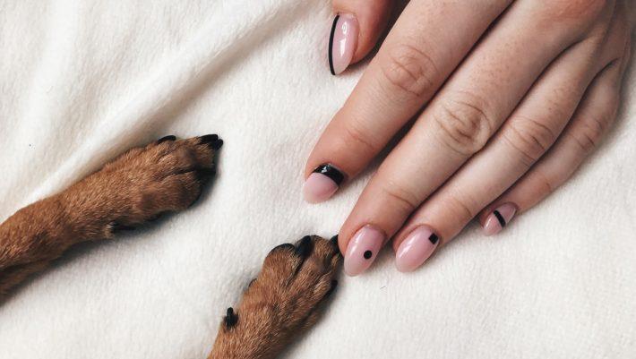 Σήμερα αφαιρούμε μαζί βήμα - βήμα το ημιμόνιμο manicure μας