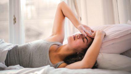 «Period flu»: Ο λόγος που νιώθεις άρρωστη πριν τη περίοδο
