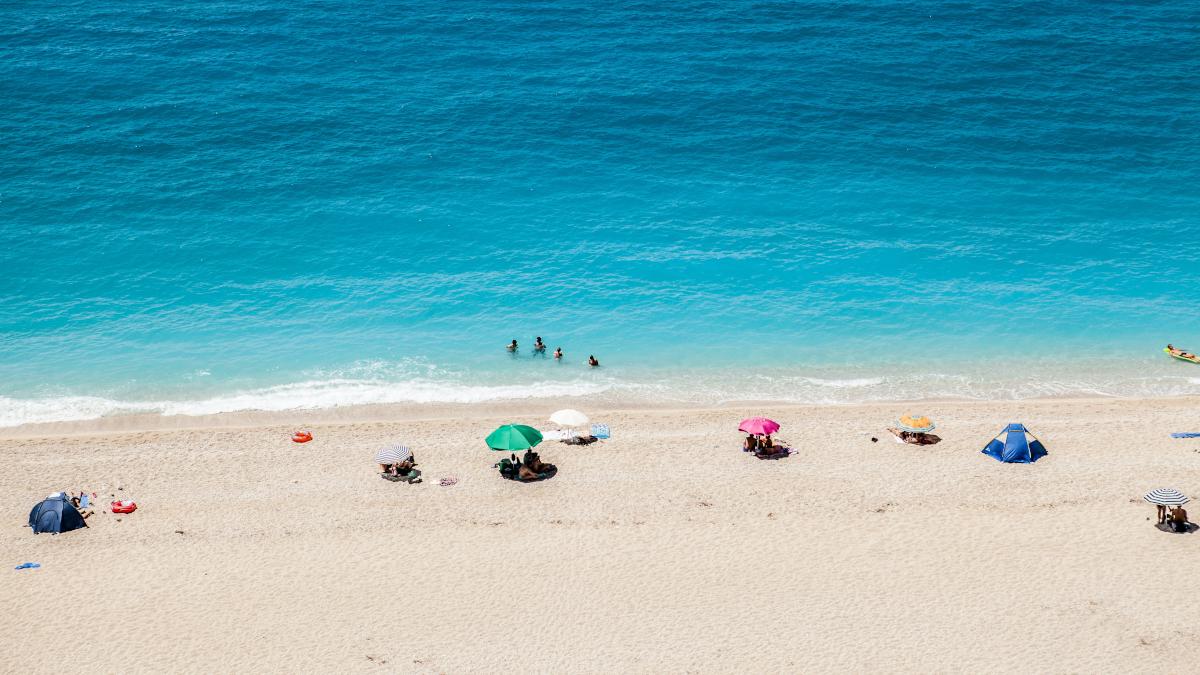 Υποτιμημένα διαμάντια: 3 πανέμορφες παραλίες χωρίς πολύ κόσμο που φέτος θα γίνουν ανάρπαστες