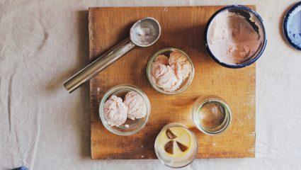 Φτιάξε μόνη σου σπιτικό και υγιεινό παγωτό με 3 μόνο υλικά