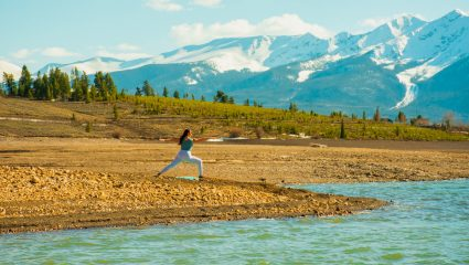 Warrior yoga: Η νέα τάση που θα αγαπήσεις αυτόν τον χειμώνα