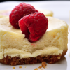 Yummy! Πεντανόστιμο ατομικό cheesecake με λίγες θερμίδες σε 5 λεπτά