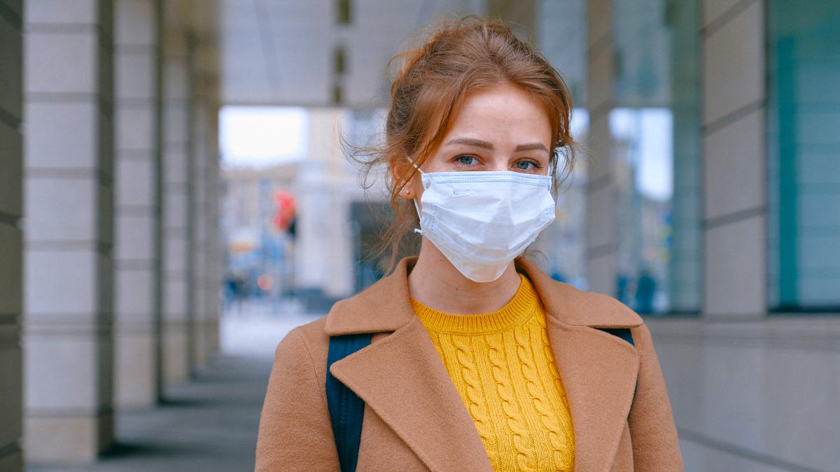 Σπυράκια από τη χρήση μάσκας; Με αυτούς τους 2 τρόπους θα απαλλαγείς