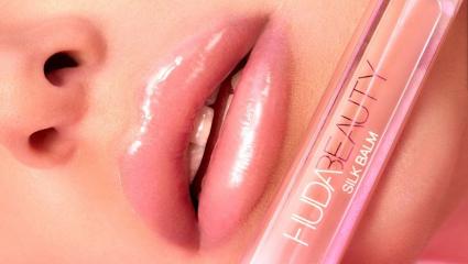 Η σειρά κραγιόν της Huda Beauty είναι αυτό ακριβώς που χρειάζονται τα χείλη σου τον χειμώνα