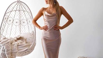 Τα satin φορέματα που θα λατρέψουμε φέτος τον χειμώνα