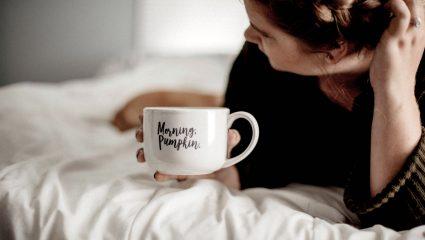 Η πρώτη κίνηση που πρέπει να κάνεις μόλις ξυπνήσεις