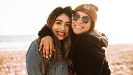 Γιατί οι νέες φιλίες κρατούν λιγότερο όσο μεγαλώνουμε;