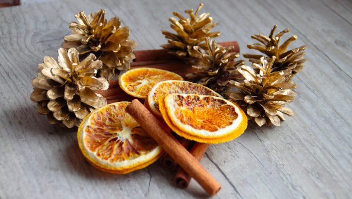 Πορτοκάλια, κανέλλες και BOOM! Φτιάξε τα πιο πρωτότυπα χριστουγεννιάτικα στολίδια