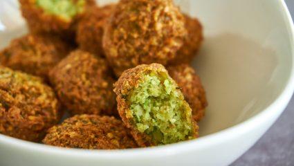 Street food στο σπίτι: Η εύκολη συνταγή για τα πιο τραγανά φαλάφελ