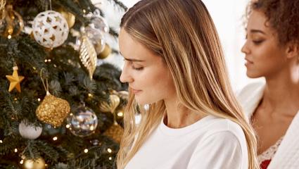 Κατάθλιψη Χριστουγέννων: Οι σκέψεις που θα σε κρατήσουν μακριά της