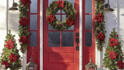 DIY tip: Πώς να διακοσμήσετε την είσοδο του σπιτιού σας για Χριστούγεννα