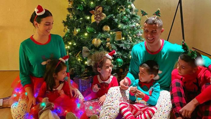 Χριστούγεννα στο Instagram: Τρεις celebrity γιορτινές φωτογραφίες που ξεχώρισαν