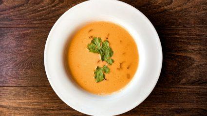 Σήμερα ετοιμάζουμε σούπα βελουτέ κολοκύθας για το εορταστικό τραπέζι