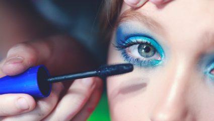 To tip για να μην σου ξεραθεί ποτέ ξανά η mascara